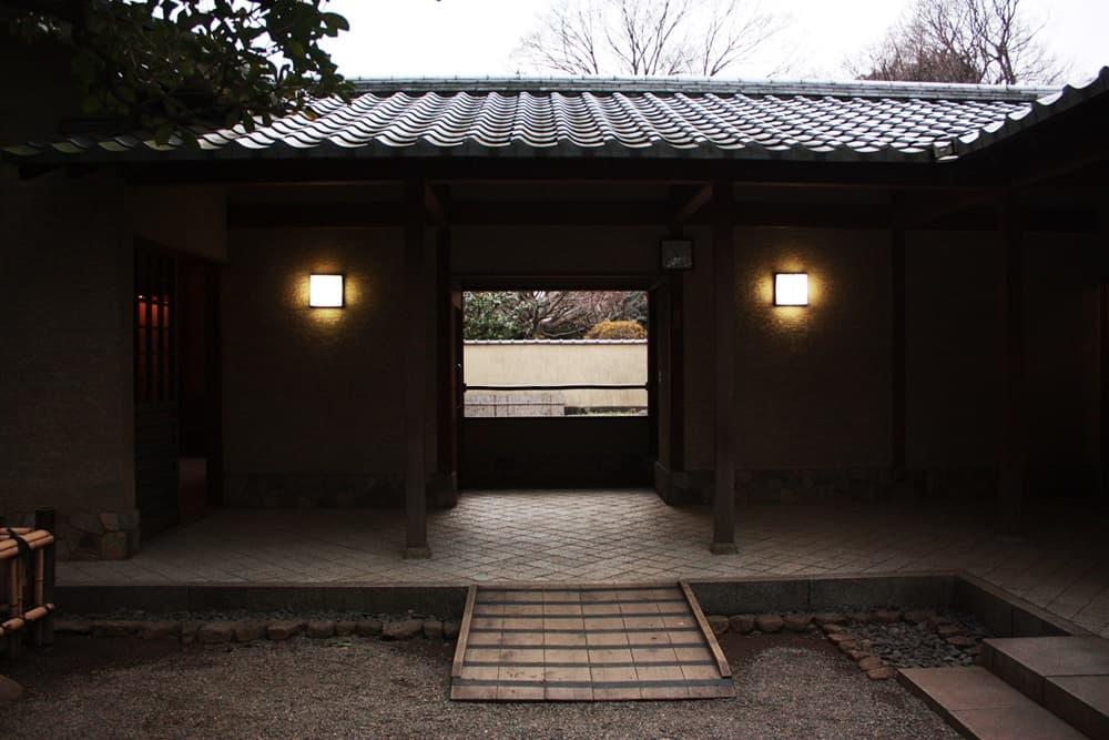 千利休(宗易)。織田信長の茶頭から豊臣秀吉の側近へ、わび茶を完成,アイキャッチ画像