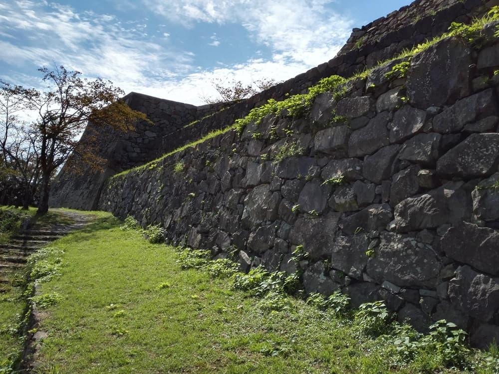 米子城。別名は久米城・湊山金城、江戸時代初期には米子騒動の舞台に,アイキャッチ画像
