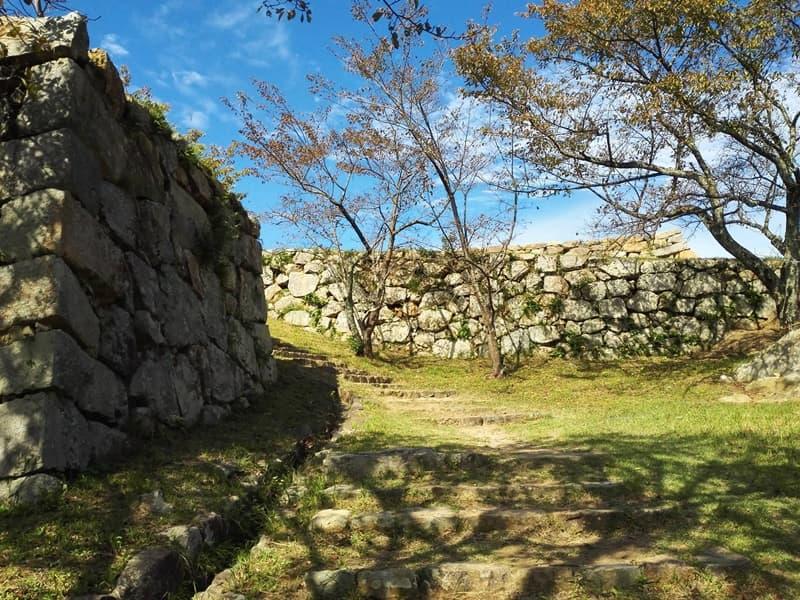 米子城。別名は久米城・湊山金城、江戸時代初期には米子騒動の舞台に,画像06