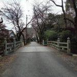 結城埋蔵金伝説。金光寺山門の和歌、「みかつきはし」城跡公園近く