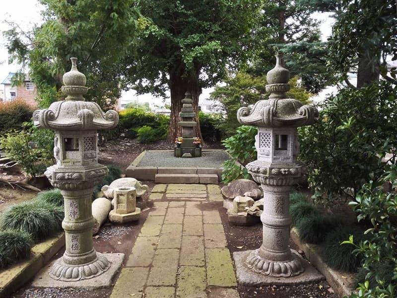 称名寺。親鸞の高弟・真仏が開山、結城朝光の墓所。慈眼院結城家御廟,画像05